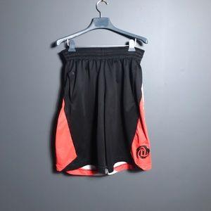 Adidas Derrick Rose basketball shorts large